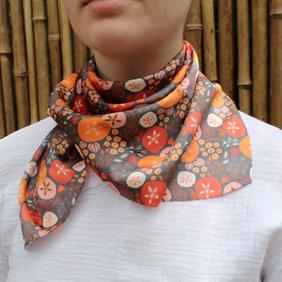 Hoya scarf